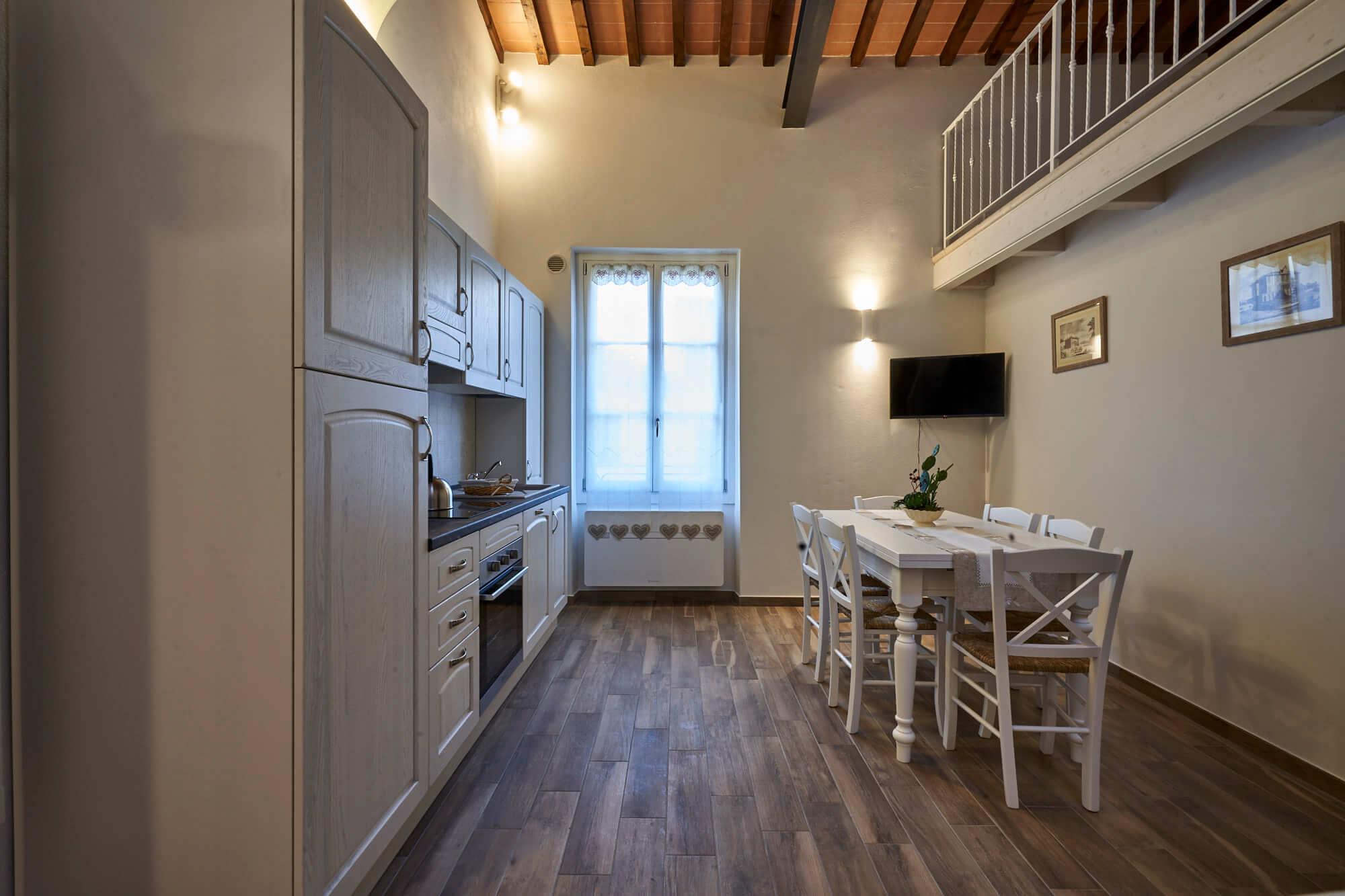 Cucina dell'Appartamento il Magnifico a Poggio a Caiano. Appartamento in affitto con 4 posti letto, a fianco Villa Medicea