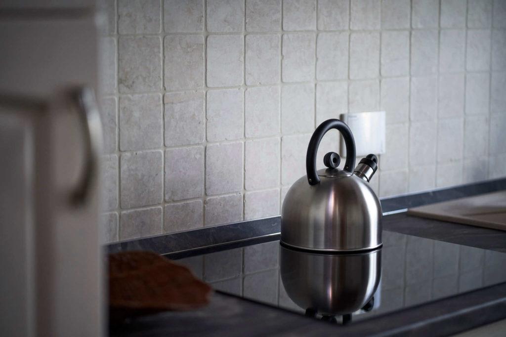 Cucina completamente arredata, appartamento in affitto con 4 posti letto, Poggio a Caiano a fianco Villa Medicea.